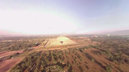 360° Video with the hot air balloon over Teothiuacán and on the boat in Xochimilco